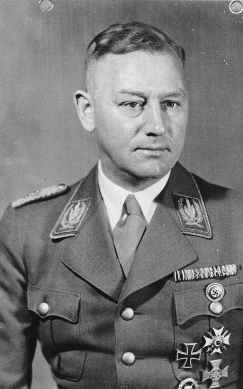 Лютце Виктор (Viktor Lutze) (28.12.1890 - 02.05.1943)