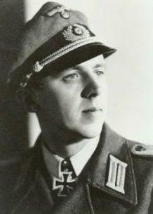 Бозе Георг Макс (Georg Max Bose) (20.10.1921 – 26.09.2011),