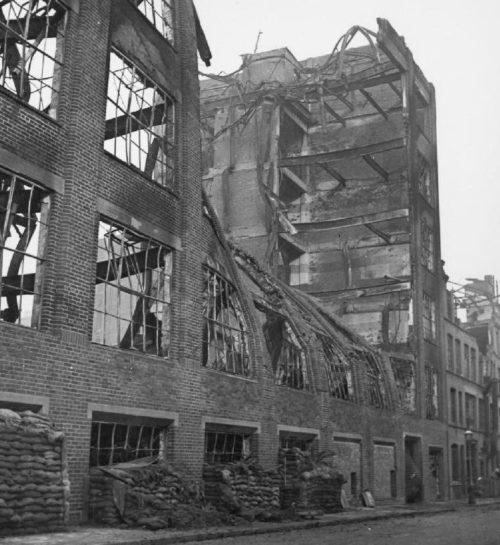Стена фабричного здания. Бирмингем. 1940 г.