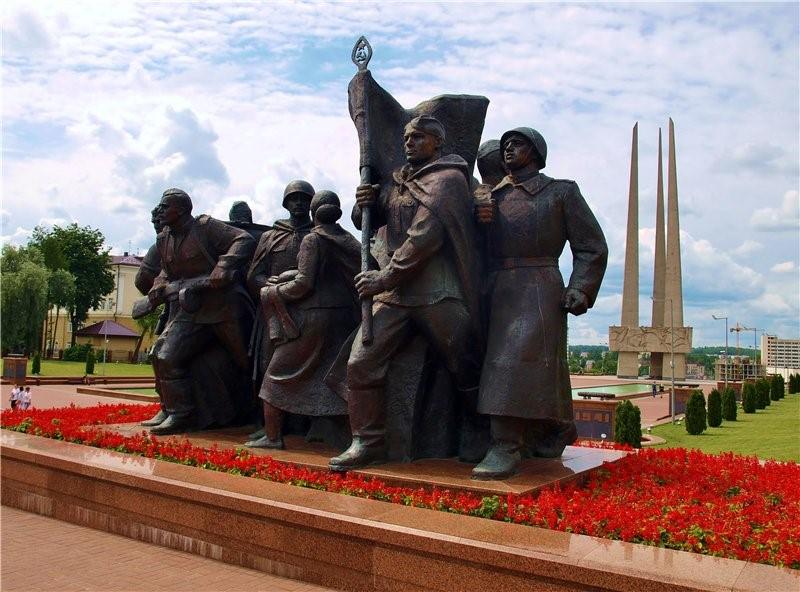 г. Витебск. Барельеф на главном монументе