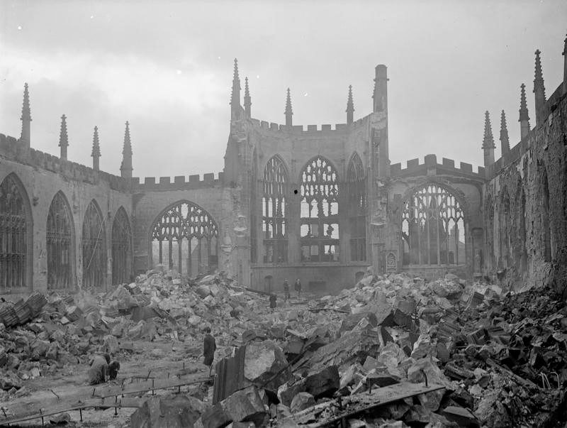 Руины собора в Ковентри. 15 ноября 1940 г.
