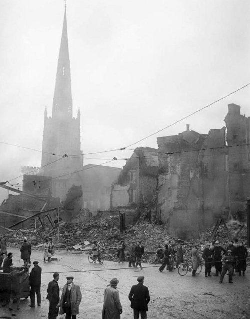Улица в Ковентри. 15 ноября 1940 г.