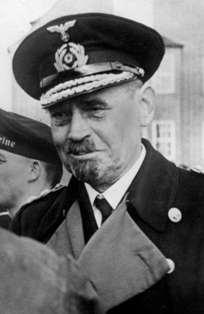Карльс Рольф Ганс Вильгельм Карл (Rolf Hans Wilhelm Karl Carls) (29.05.1885 - 15.04.1945)
