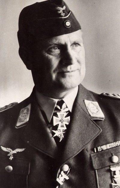 Лёрцер Бруно (Bruno Loerzer) (22 01.1891 – 23.08.1960)