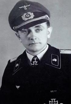 Кариус Отто (Otto Carius) (27.05.1922 – 24.01.2015)