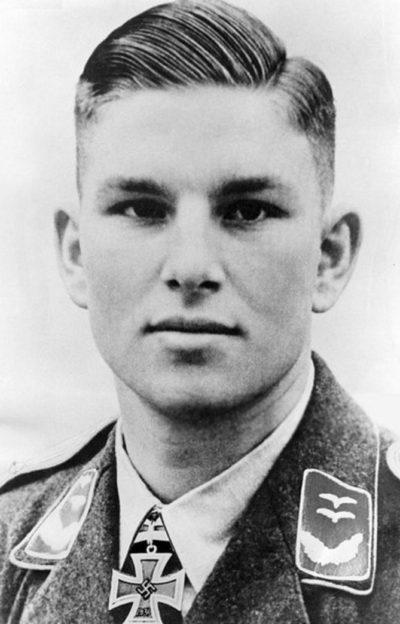 Баркхорн Герхард (Герд) Эрих (Gerhard Barkhorn) (20.03. 1919 - 08.01.1983)