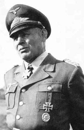 Рамке Бернхард (Hermann-Bernhard Ramcke) (24.01.1889 - 05.07.1968)