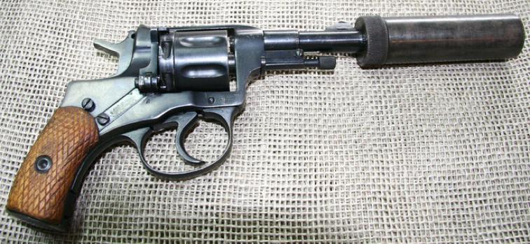 Револьвер «Нагана» с системой БРАМИД для бесшумной стрельбы