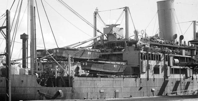 Пехотно-десантный транспорт «Westralia»