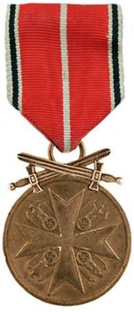 Аверс Немецкой медали за заслуги Ордена немецкого Орла в бронзе с мечами.