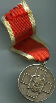 Аверс медали за заботу о немецком народе.