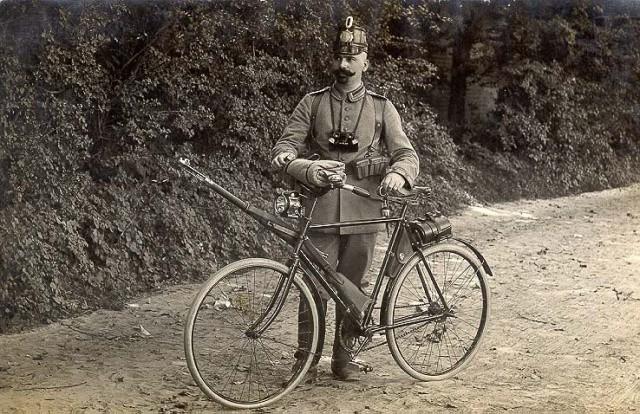 Велосипедист времен Франко-Прусской войны
