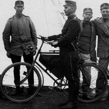 Самокатчик с велосипедом m/1091
