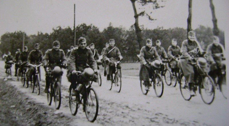 Велосипедисты на марше