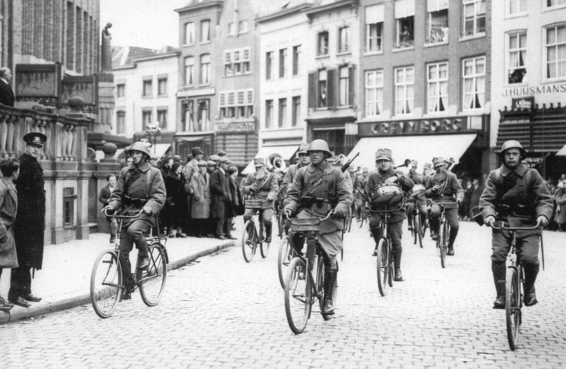 Велосипедное подразделение в городе
