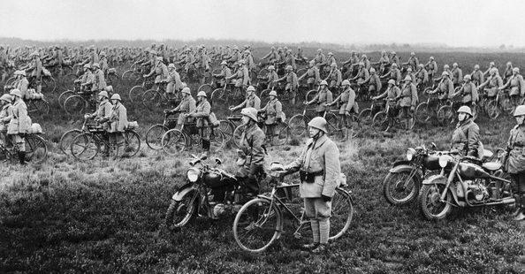 Велосипедный полк армии Нидерландов накануне немецкого вторжения. Апрель 1940 г.