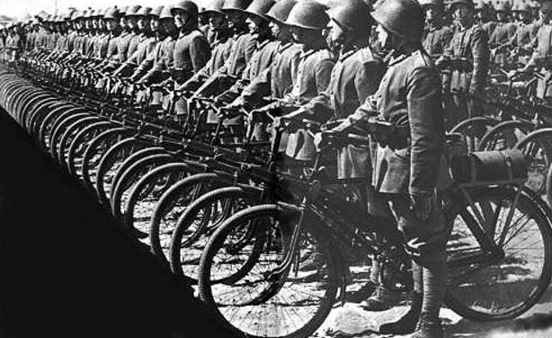 Самокатчики Войска Польского. 1938 г.