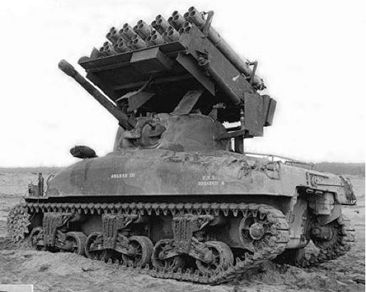 Реактивная пусковая установка Calliope T-34 на танке Sherman M-4A1