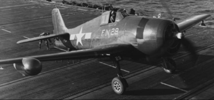 Бортовая РЛС APS-6 на самолете F6F Hellcat (под правым крылом)