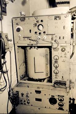 Аппаратура корабельной РЛС Type-285.