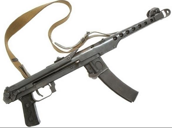 Пистолет-пулемет Судаева ППС-43 со сложенным прикладом