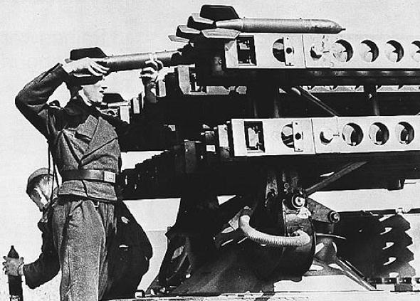 8-cm Raketen-Vielfachwerfer auf Selbstfahrlafette Sd.Kfz-4 (Opel Maultier)