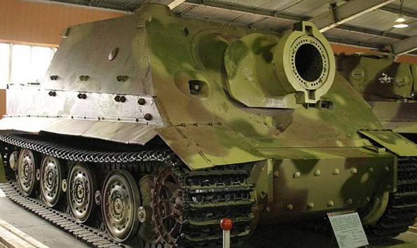 Самоходное штурмовое орудие «38-cm RW61 auf Sturmmörser Tiger», оснащенное реактивным бомбометом