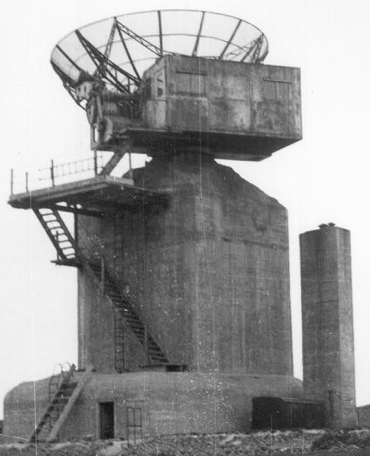 РЛС береговой обороны FuMO-214 (Würzburg).