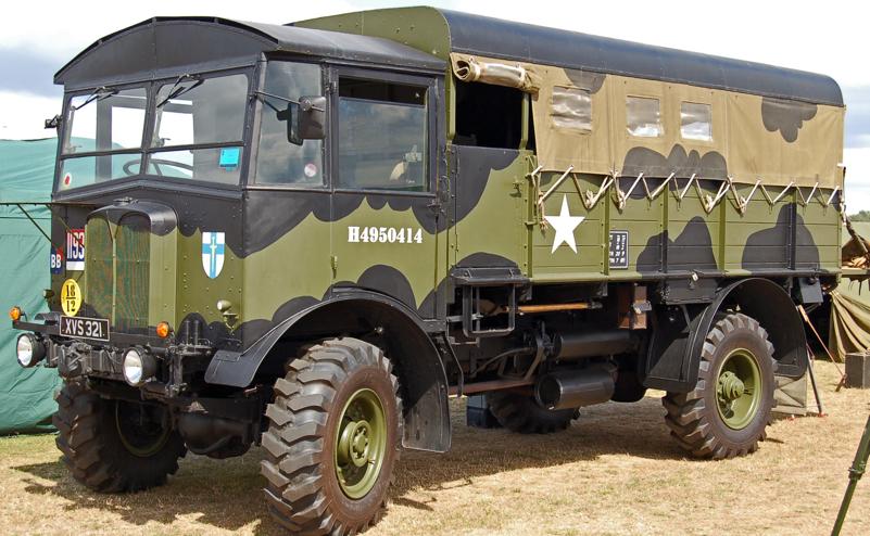 Средний артиллерийский колесный тягач AEC Matador