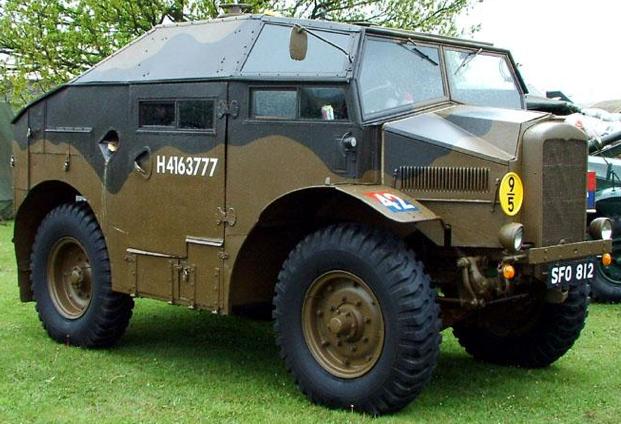 Артиллерийский колесный тягач Morris C-8