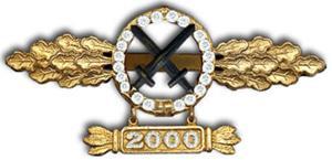 Шпанга в золоте и бриллиантами с подвеской 2000 вылетов