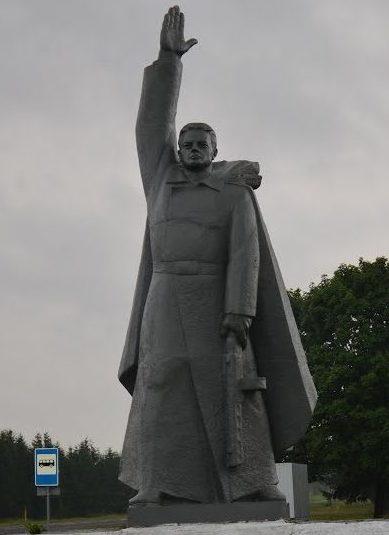 д. Туча Клецкого р-на. Памятник погибшим землякам.