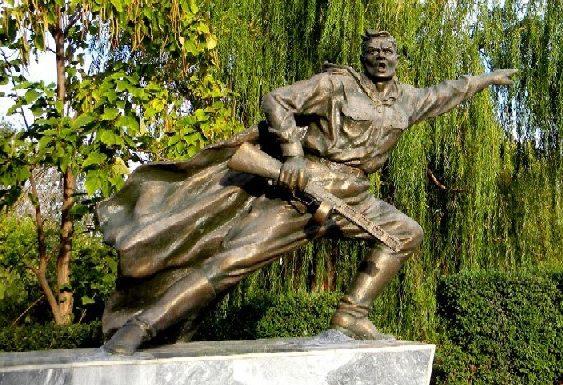 г. Ахтубинск. Памятник воинам-владимировцам, погибшим в годы войны