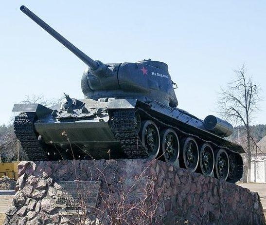 д. Красное Молодечненского р-на. Памятник танкистам