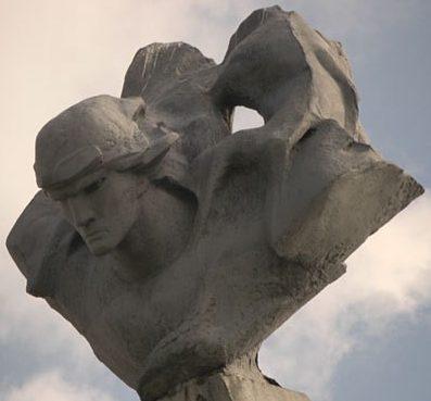 п. Радошковичи Молодечненского р-на. Памятник экипажу Гастелло