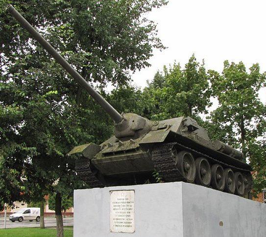 г. Марьина Горка Пуховичского р-на. Самоходная артиллерийская установка СУ-100