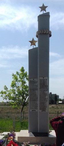 с. Семибугры Камызякского р-на. Памятник погибшим во время войны