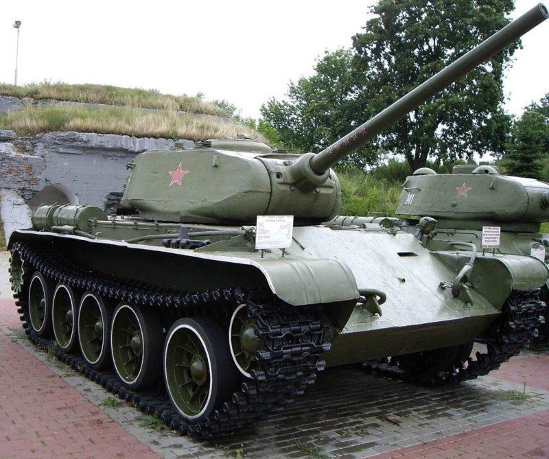 г. Брест. Т-44 г. Брестская крепость