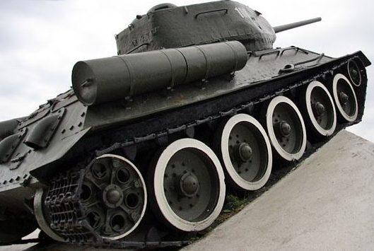 д. Погост Солигорского р-на. Танк Т-34