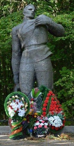 д. Рованичская Слобода Червенского р-на. Мемориальный комплекс «Разгром».