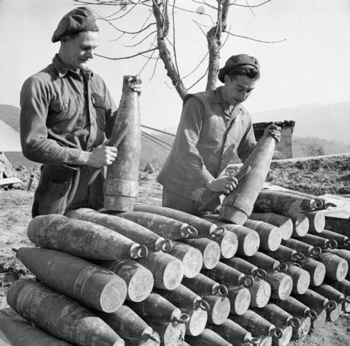 Снаряды для пушки 155-мм «Long Tom»