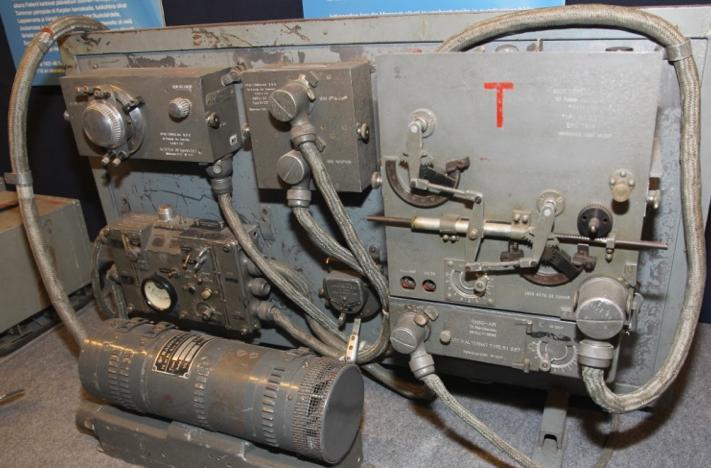 Авиационная радиостанция RI-537