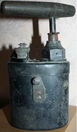 Подрывная машинка М-40 (Glühzündapparat 40)