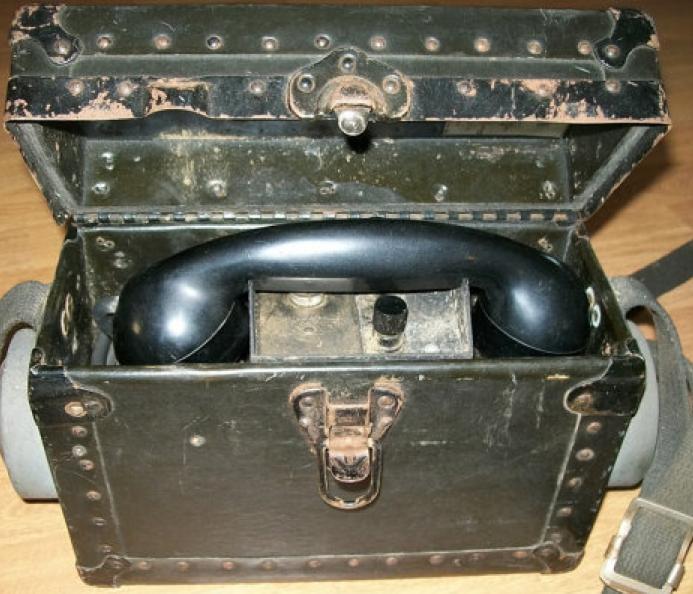 Полевой телефон Monophone