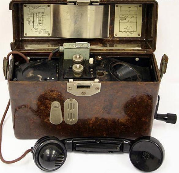Полевой телефон Feldfernsprecher 33 (FF-33)