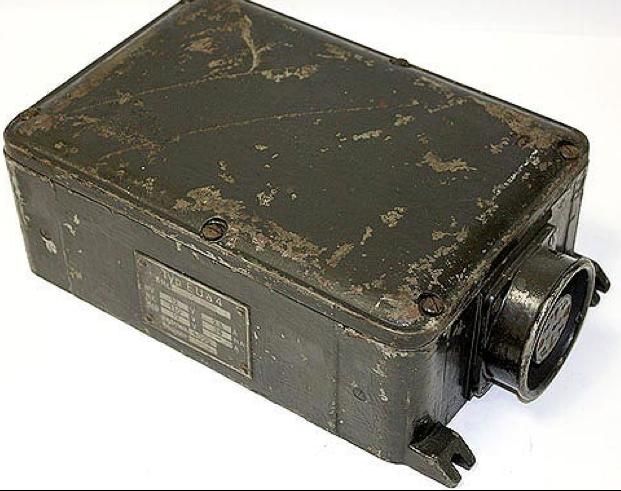 Комплект танковой радиостанции Fu 8 SE 30 M (Fu 8). Умформер U-30b.