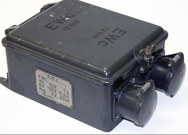 Блок умформера EW.c. из комплекта радиостанции Fu-20 (Fu-22)
