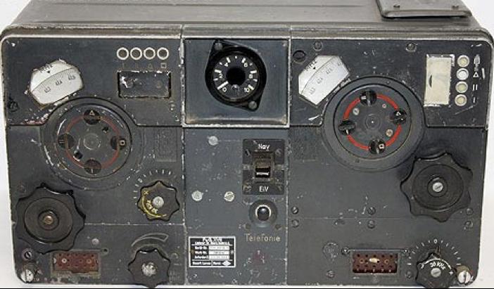 Авиационная радиостанция FuG -17.