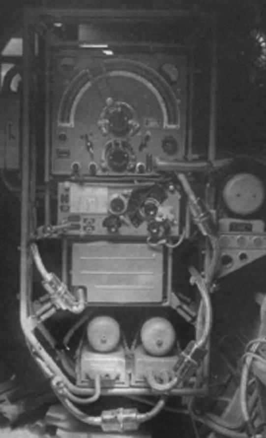 Авиационный передатчик РСБ-бис га самолете Ил-4