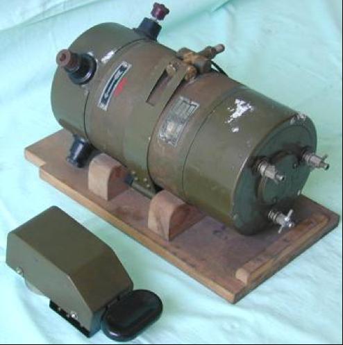 Генератор и телеграфный ключ танковая радиостанции